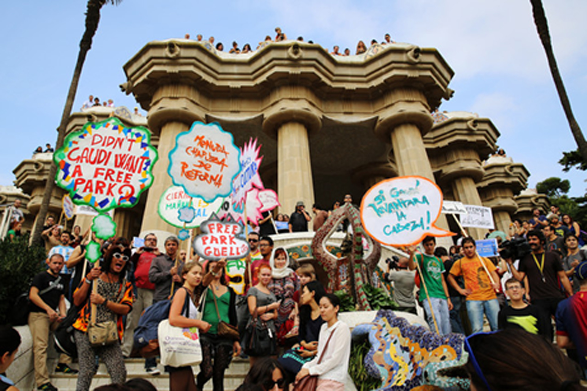 GLOBAL CITY TOUR: Protest & Resistance in the Tourist City